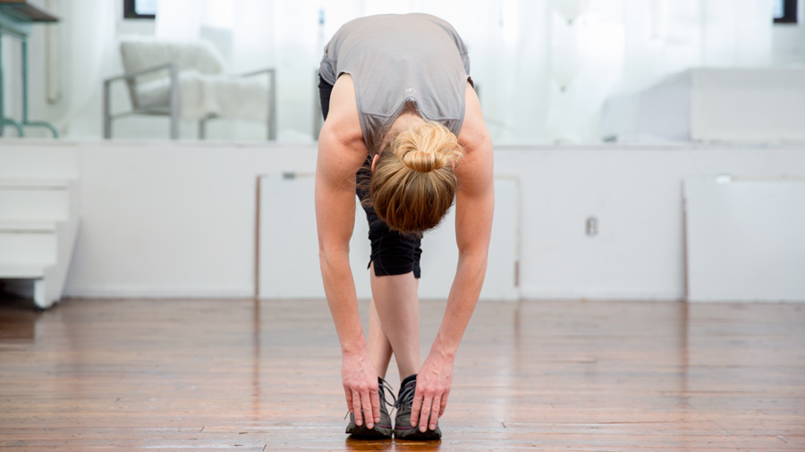 demonstration of the it band stretch
